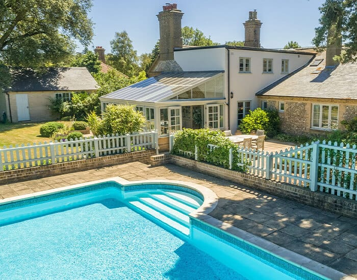 Hot tubs & swimming pools Fabulous Norfolk holiday cottages